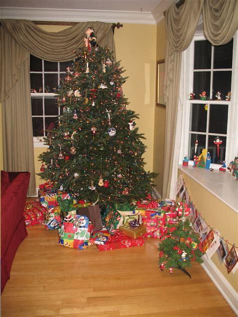 how to organize a christmas tree juls tree copy jul s arthur
