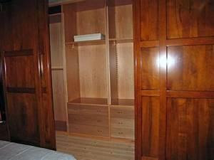 Boiserie in legno Produzione Cabine Armadi