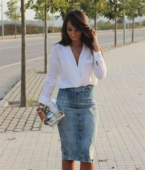 Pure Style by Erika Midi Denim Skirt | Outfits | Pinterest