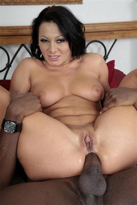 Interracial Porn Pics Of Busty Wife Gets He Xxx Dessert