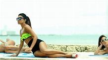 Priyanka Chopra Bikini Images ~ Hot Bollywood Wallpapers ...