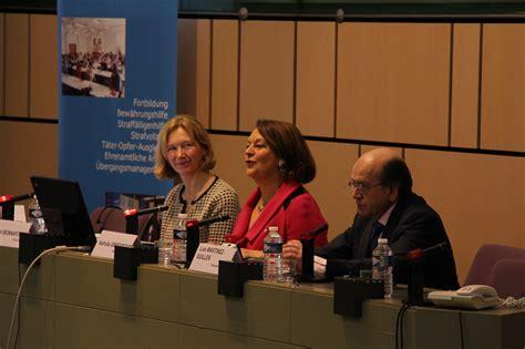 bureau de probation colloque la coopération franco allemande dans le domaine