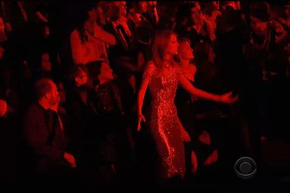 See GIFs of Taylor Swift Dancing at the Grammys