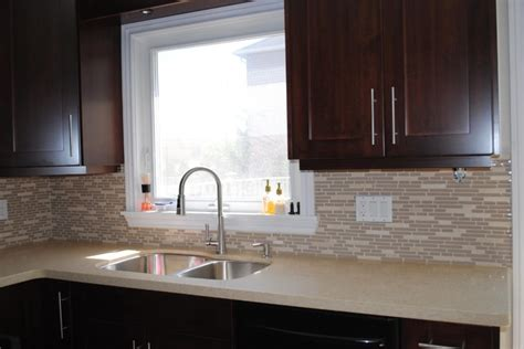 pictures of kitchen countertops and backsplashes kitchen countertop and backsplash modern kitchen