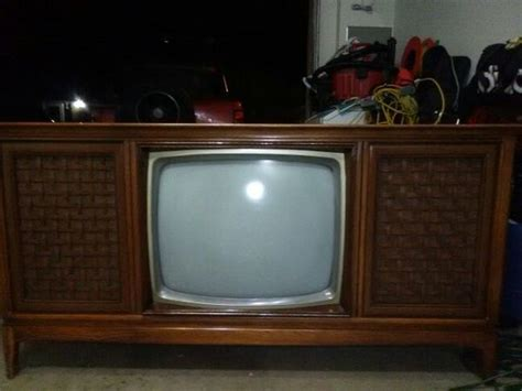 vintage tv stereo cabinet vintage magnavox tv stereo console antiques in tacoma