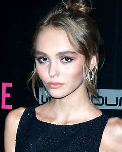 Lily-Rose Depp's '90s Street Style and Red Accessories