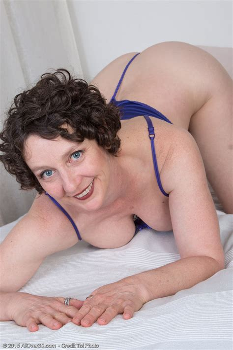 Year Old Artemesia From Onlyover Toying Her Older Babe Hairy Pussy Only Over Milfs
