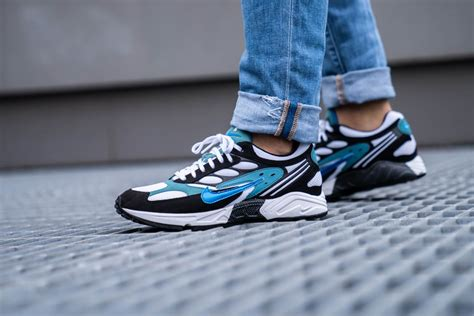 nike air ghost racer blackphoto blue mineral teal