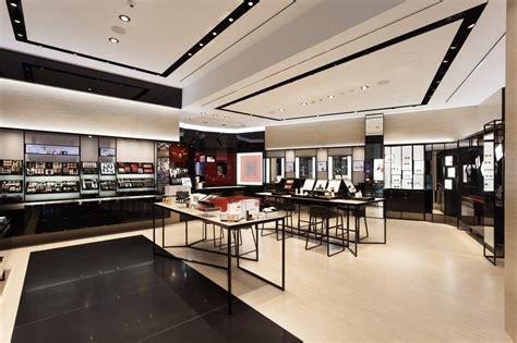chanel  opened  store   gold coast vogue australia