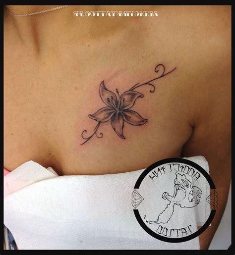 Tatouage Fleur De Lys Avec Date  Dessin Tatouage