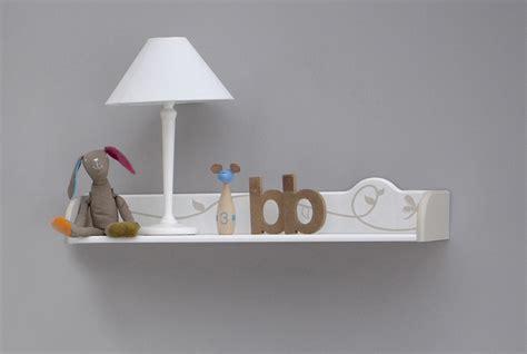 chambre bébé moins cher etagère murale contemporaine blanche woody petit