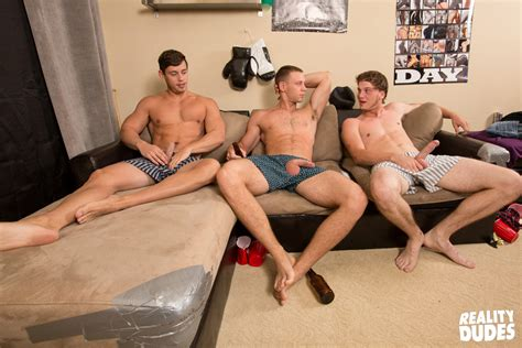 Straight gay porn tube videos at jpg 1056x704