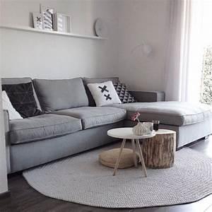 le petit tapis rond belle solution pour les petits With tapis couloir avec ikea canape trois places