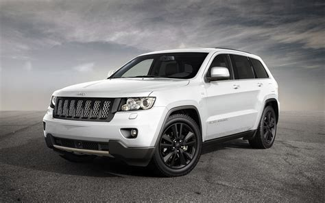 Jeep Grand Hd Picture by White Jeep Grand Srt Wallpaper Hd Pictures