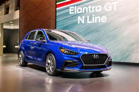 2020 Hyundai Elantra - Design, engine performance and ...