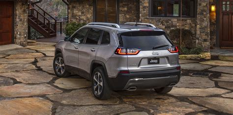 jeep cherokee facelift unveiled