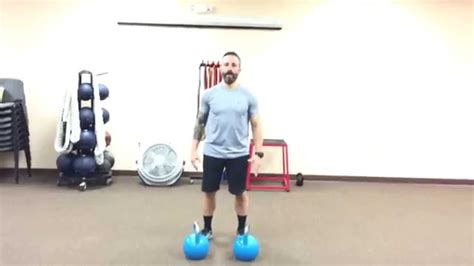 renegade rows kettlebell exercise