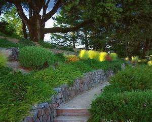 Garten Hügel Bepflanzen : 1000 ideen zu st tzmauer steine auf pinterest ~ Lizthompson.info Haus und Dekorationen