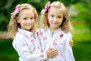 Why twins look so much alike.. but they are not exactly ...
