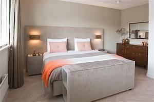 Luxe slaapkamer met stijlvol bed