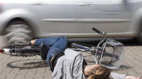 Urteil Fahrerflucht by Radfahrerin Trug Einen Helm 11 J 228 Hrige Bei Unfall In