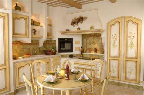 modele de cuisine provencale cuisine provençale maussane en chêne massif cuisines