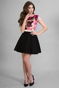 vestido corto estampado flores falda vuelo