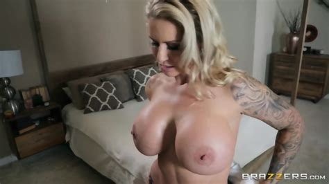 Deutsch Curvy Wife Fucks All Over The House With Daughter