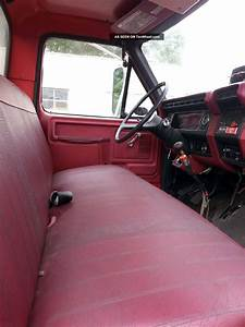 1982 Ford F800 Cab Chassis