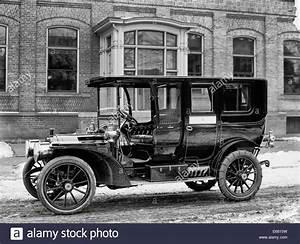 Packard automobile, Packard Motor Car Company, circa 1920 ...