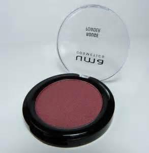 Feste Farbe Test : uma cosmetics im test lippenstift rouge und eyeliner ~ Michelbontemps.com Haus und Dekorationen
