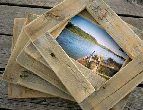 le aus alten holzbalken bilderrahmen aus alten scheunenbrettern an na haus und gartenblog