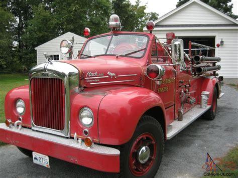 1954 Mack B85 Antique Fire Engine