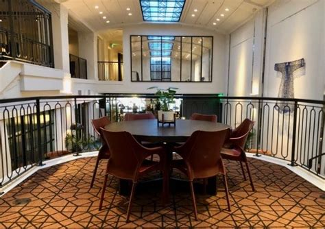 It has an unusual design that features rubberized slats rather than a conventional belt, which is intended to feel more like a real road underfoot. Hotel Theodore Seattle - 2019 Review