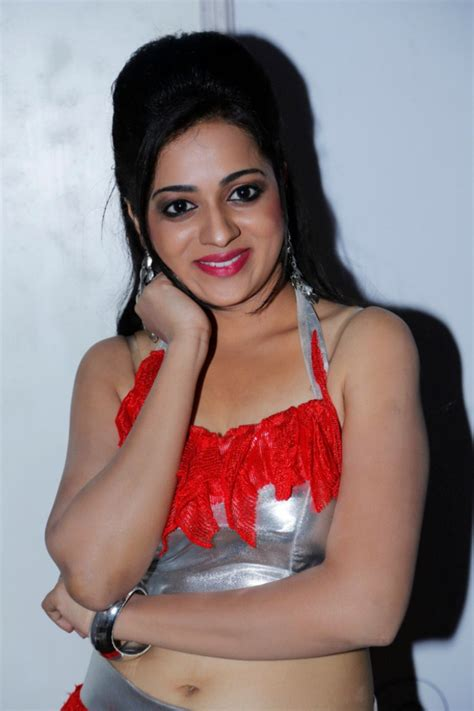 picture  actress reshma hot dance performance