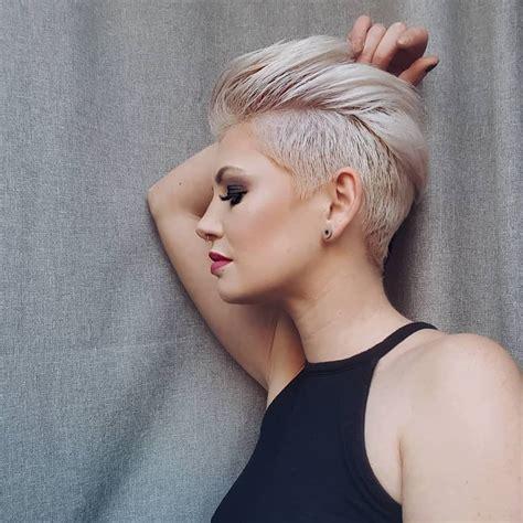 10 Coupes de cheveux Edgy Pixie pour les femmes - Coupe de