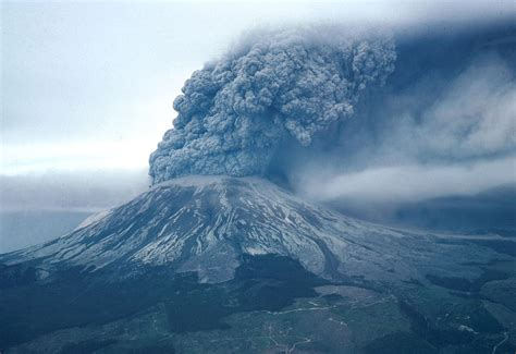 One of America's Most Dangerous Volcanoes Isn't Where It ...