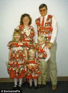 Cringe worthy family Christmas photos