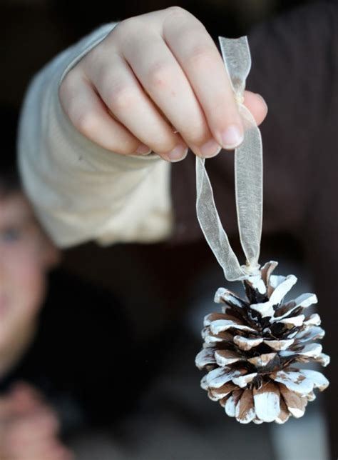 easy diy pinecone ornaments  christmas shelterness