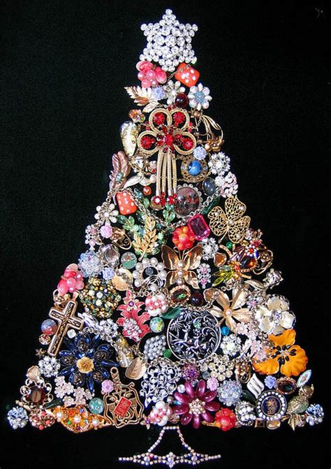 Unusual And Unique Christmas Trees (22 Pics