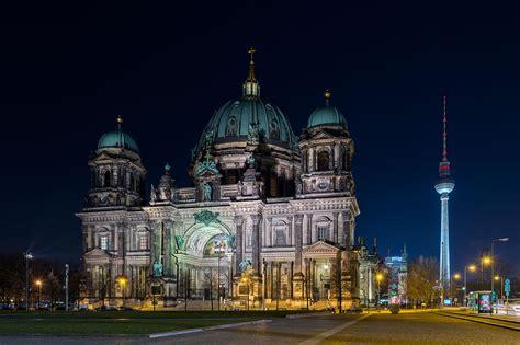 berlin de file berliner dom nacht 160316 ako jpg wikimedia commons
