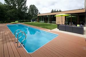 Bungalow Mit Pool : bungalow mit pool terrasse ~ Frokenaadalensverden.com Haus und Dekorationen
