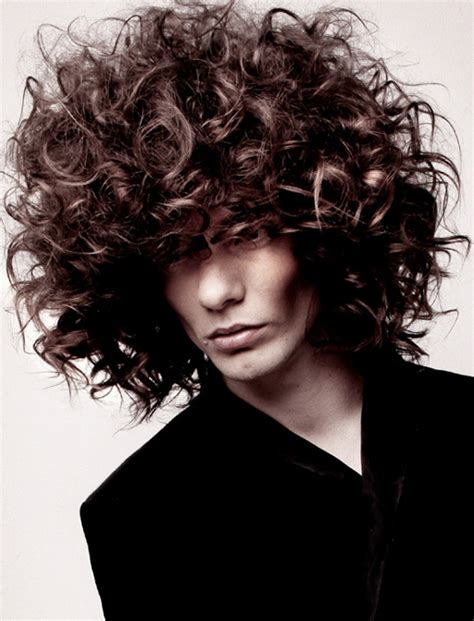 pictures hairstyles for men with curly hair men s long