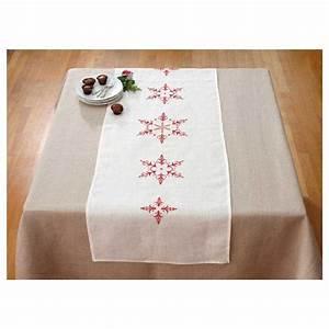 Table De Noel Traditionnelle : broderie traditionnelle imprim e dmc mod le chemin de ~ Melissatoandfro.com Idées de Décoration