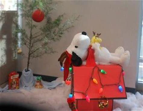 cpws christmas tree decorating    art