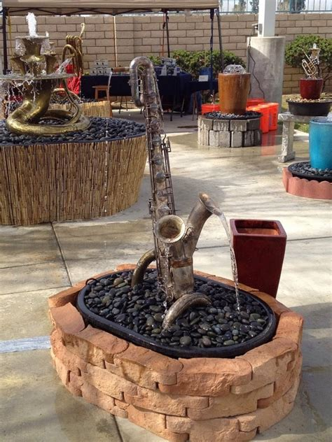 unusual garden decorations  add fun   backyard  art  life