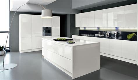 cuisine ilot centrale design cuisine blanche avec îlot