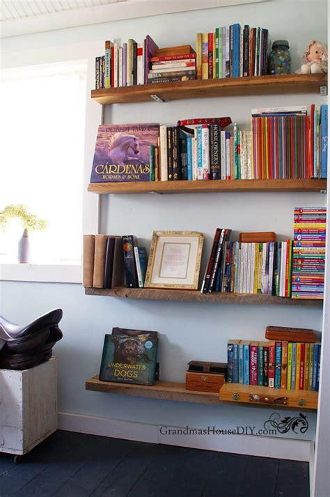 easy diy barnwood bookshelves diyideacentercom