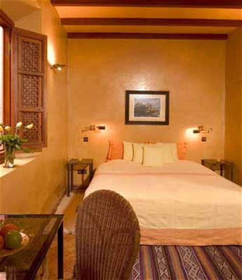 bedroom wall decorating warm colors for bedroom decorating in moroccan style