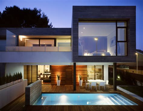 Modern Houses : Semi-detached Homes United By Matching Contemporary
